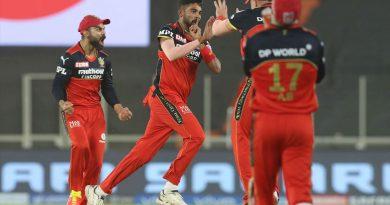 दिल्लीलाई १ रनले हराउँदै बैंगलोर शीर्ष स्थानमा