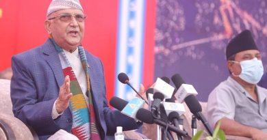 केपी शर्मा ओलीले बुटवलमा भने-'माधव नेपाल प्रतिक्रियावादीको सेवा गर्ने कठपुतलीवाला सरकार बनाउने अगुवा हुन्'